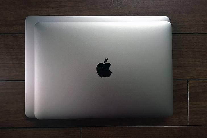MacBookとの比較