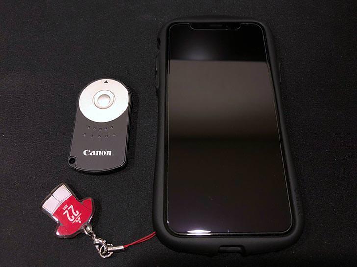 Canon リモートコントローラー RC-6とiPhoneXとの比較