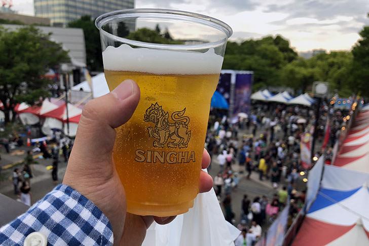 タイフェスでシンハービール2杯目うまい!