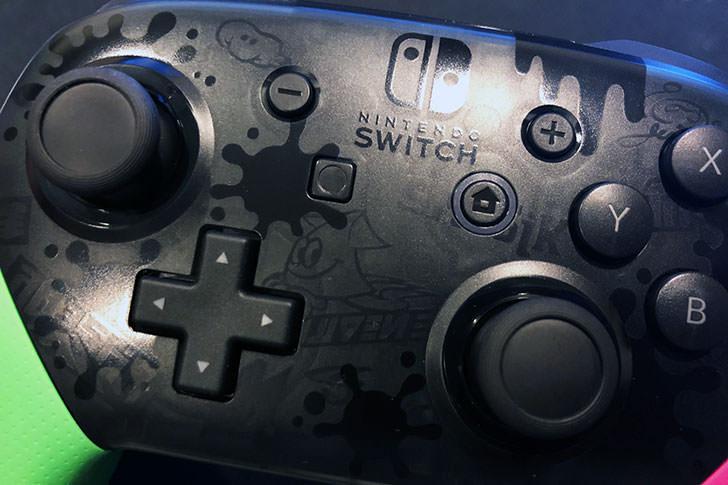 Nintendo Switch プロコントローラー