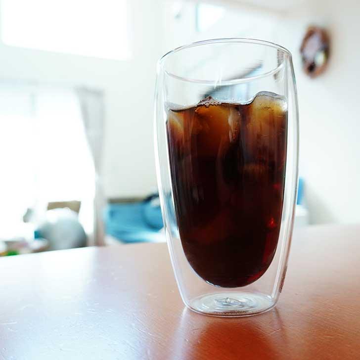 ボダムのダブルウォールグラスでアイスコーヒーを飲む
