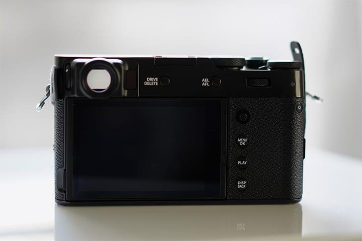 FUJIFILM X100Vの背面
